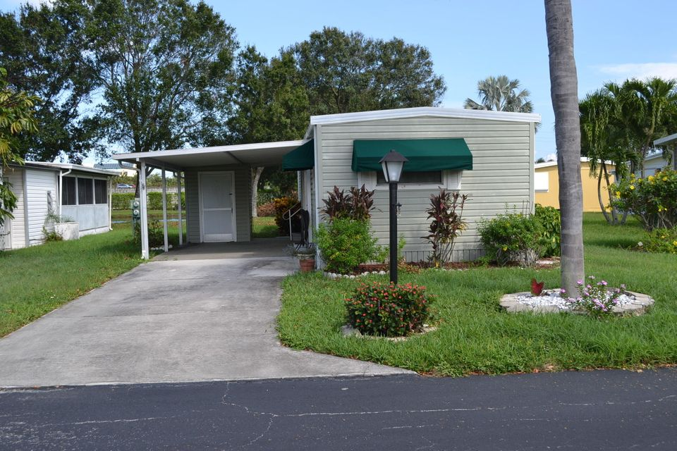 Mobile / Manufactured for Sale at 8147 Sandalwood Court Boca Raton, Florida 33433 United States