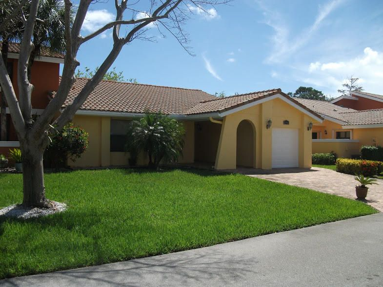 Vila para Venda às 20966 Estada Lane 20966 Estada Lane Boca Raton, Florida 33433 Estados Unidos