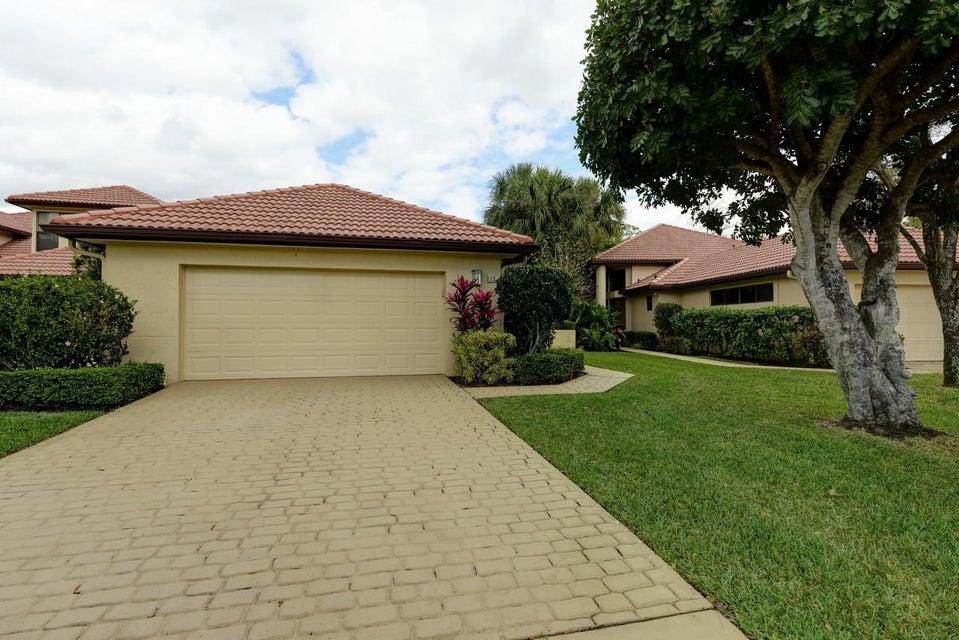 Villa für Verkauf beim 1140 Sand Drift Way 1140 Sand Drift Way West Palm Beach, Florida 33411 Vereinigte Staaten