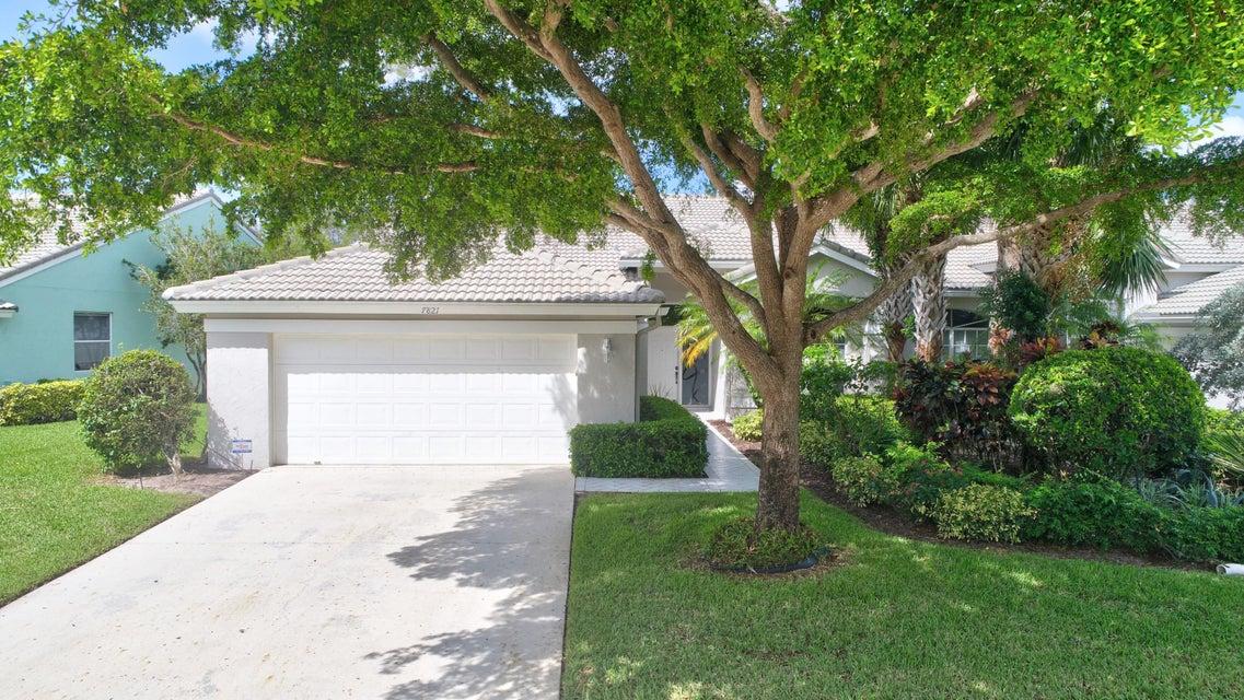 7821 Aberdeen Lakes Drive  Boynton Beach FL 33472