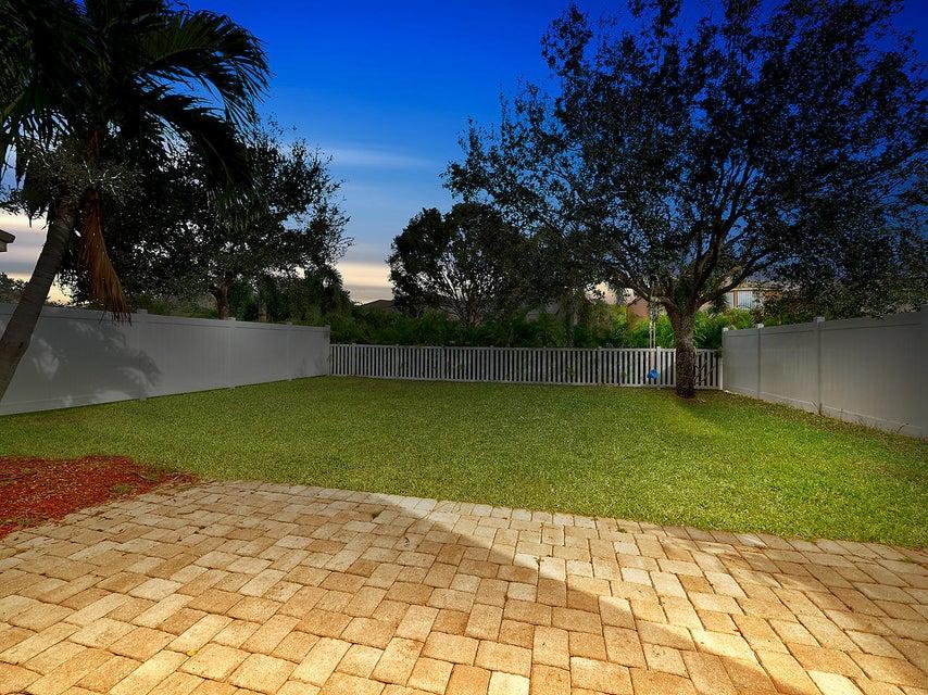 1189 Oakwater Drive Royal Palm Beach, FL 33411 photo 2