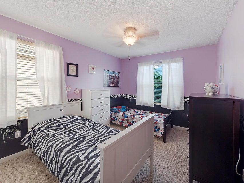 1189 Oakwater Drive Royal Palm Beach, FL 33411 photo 10