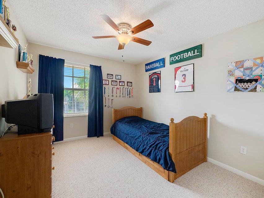 1189 Oakwater Drive Royal Palm Beach, FL 33411 photo 14