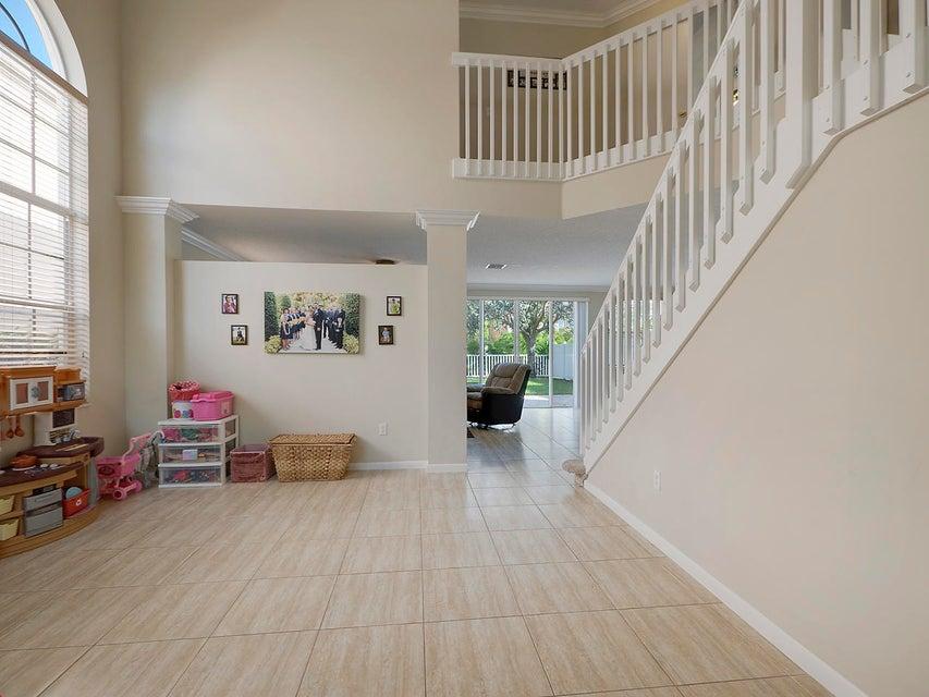 1189 Oakwater Drive Royal Palm Beach, FL 33411 photo 6