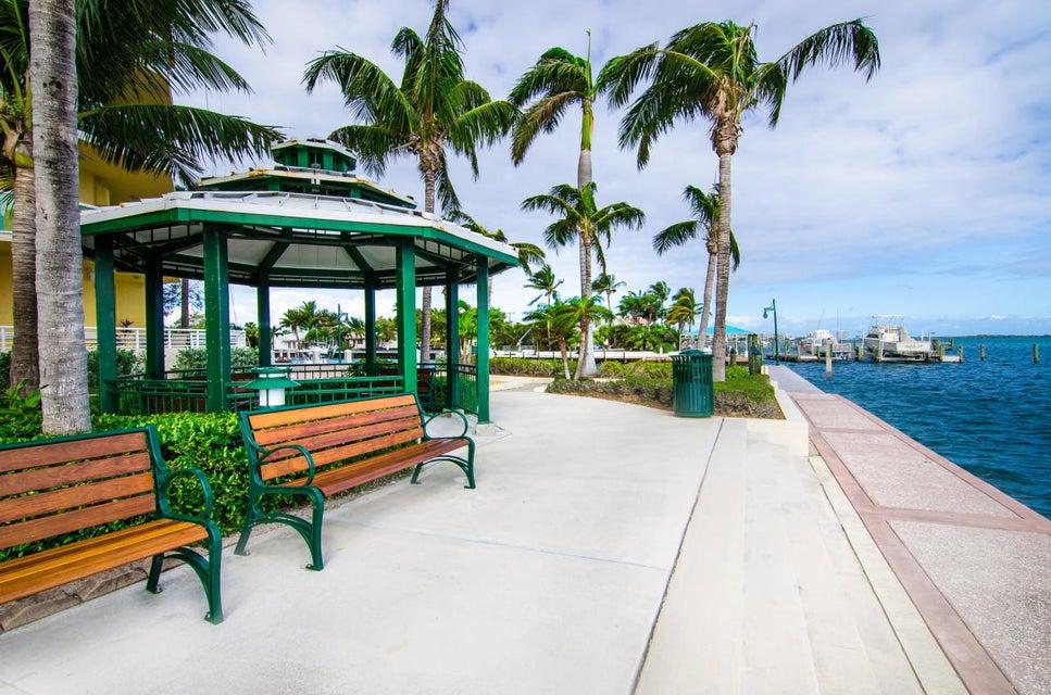 2650 Lake Shore Drive 101  West Palm Beach FL 33404
