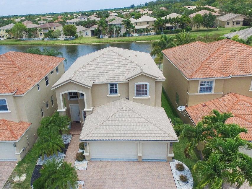 Rentals for Sale at 7572 Via Luria 7572 Via Luria Lake Worth, Florida 33467 United States