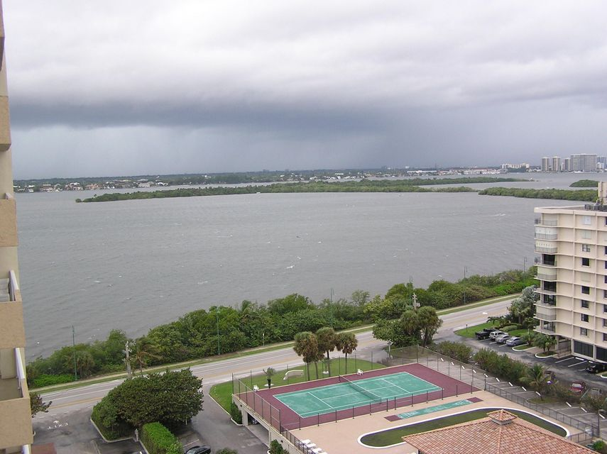 Additional photo for property listing at 5440 N Ocean Drive 5440 N Ocean Drive Riviera Beach, Florida 33404 United States