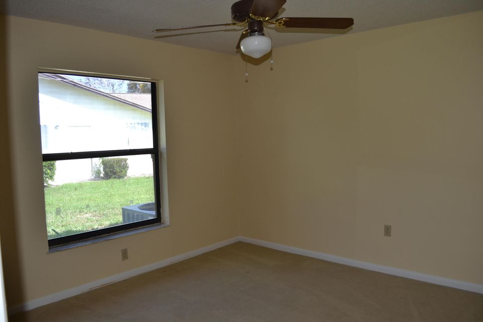 Additional photo for property listing at 2101 SE Dolphin Road 2101 SE Dolphin Road Port St. Lucie, Florida 34952 Estados Unidos