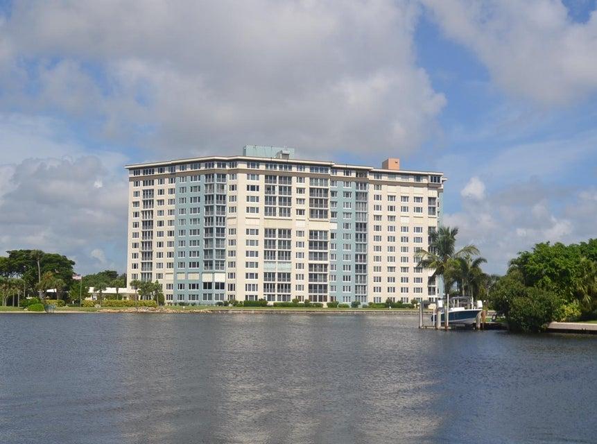 Co-op / Condo للـ Sale في 555 SE 6th Avenue 555 SE 6th Avenue Delray Beach, Florida 33483 United States