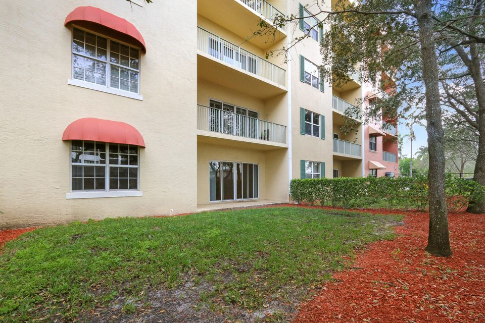 Additional photo for property listing at 1640 Presidential Way 1640 Presidential Way West Palm Beach, Florida 33401 United States