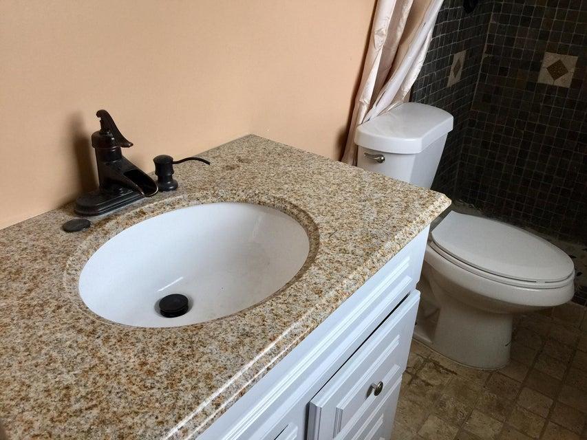 Additional photo for property listing at 1065 NE Banyan Tree Drive 1065 NE Banyan Tree Drive Jensen Beach, Florida 34957 United States