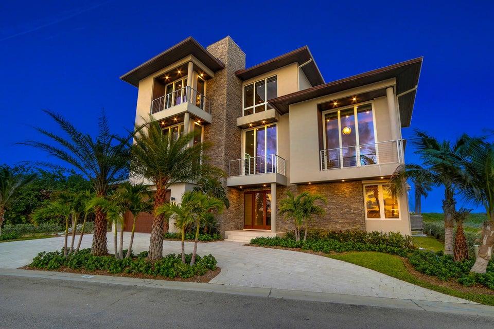 Casa para uma família para Venda às 8104 S Ocean Drive 8104 S Ocean Drive Jensen Beach, Florida 34957 Estados Unidos