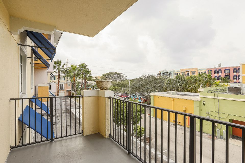 Co-op / Condo for Rent at 250 NE 3rd Avenue 250 NE 3rd Avenue Delray Beach, Florida 33444 United States