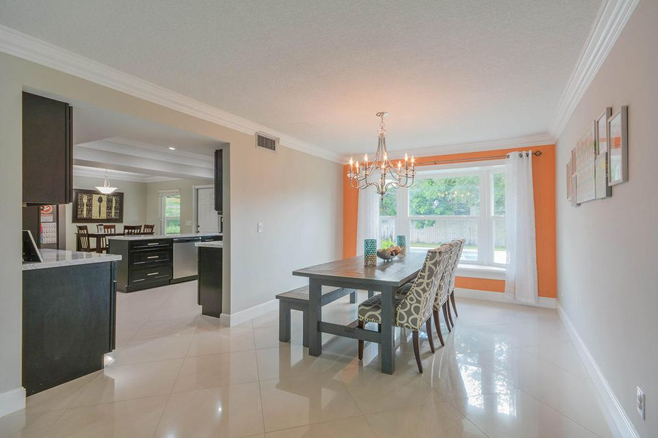 Additional photo for property listing at 11024 Monet Terrace 11024 Monet Terrace Palm Beach Gardens, Florida 33410 United States