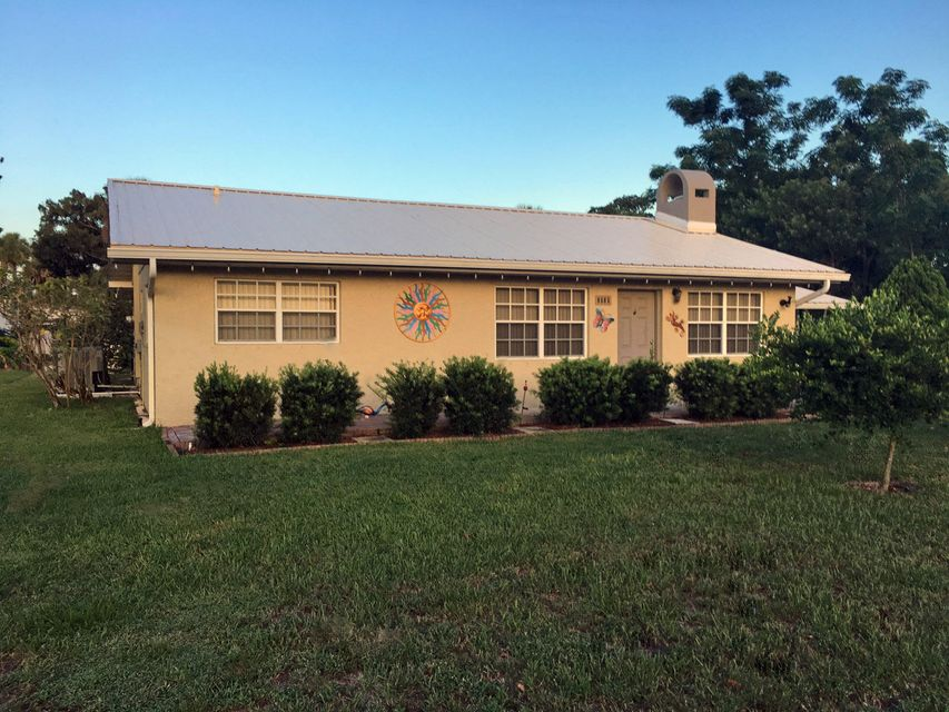 Single Family Home for Sale at 9565 SW Adams Street 9565 SW Adams Street Okeechobee, Florida 34974 United States