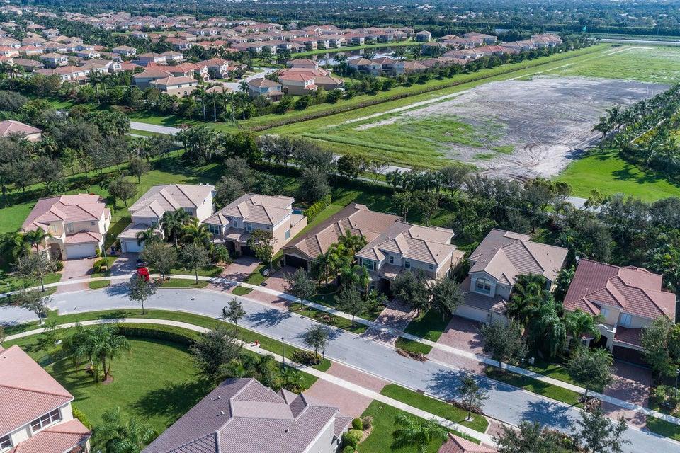 8057 Emerald Winds Circle Boynton Beach, FL 33473 - photo 30
