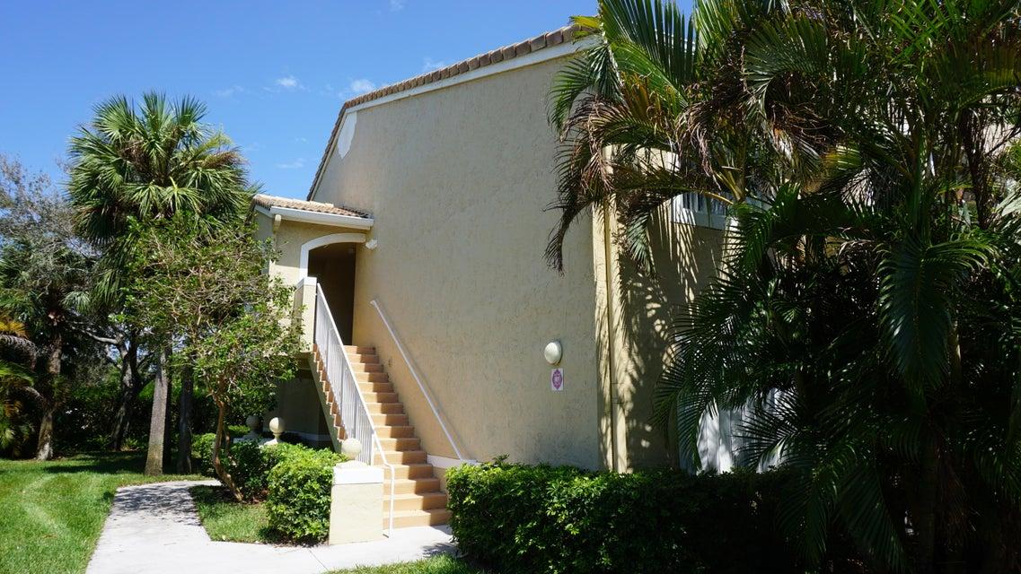 Co-op / Condominio por un Venta en 284 Village Boulevard 284 Village Boulevard Tequesta, Florida 33469 Estados Unidos