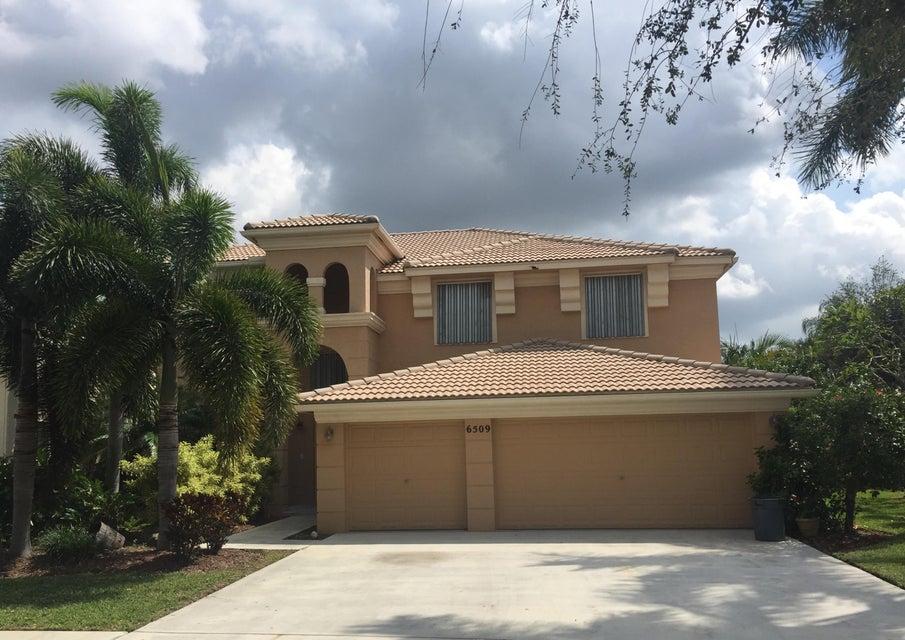 Rentals for Sale at 6509 Stonehurst Circle 6509 Stonehurst Circle Lake Worth, Florida 33467 United States