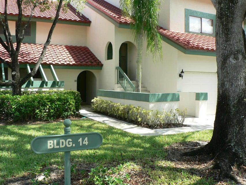 14 Lexington Lane C , Palm Beach Gardens FL 33418 is listed for sale as MLS Listing RX-10368204 18 photos