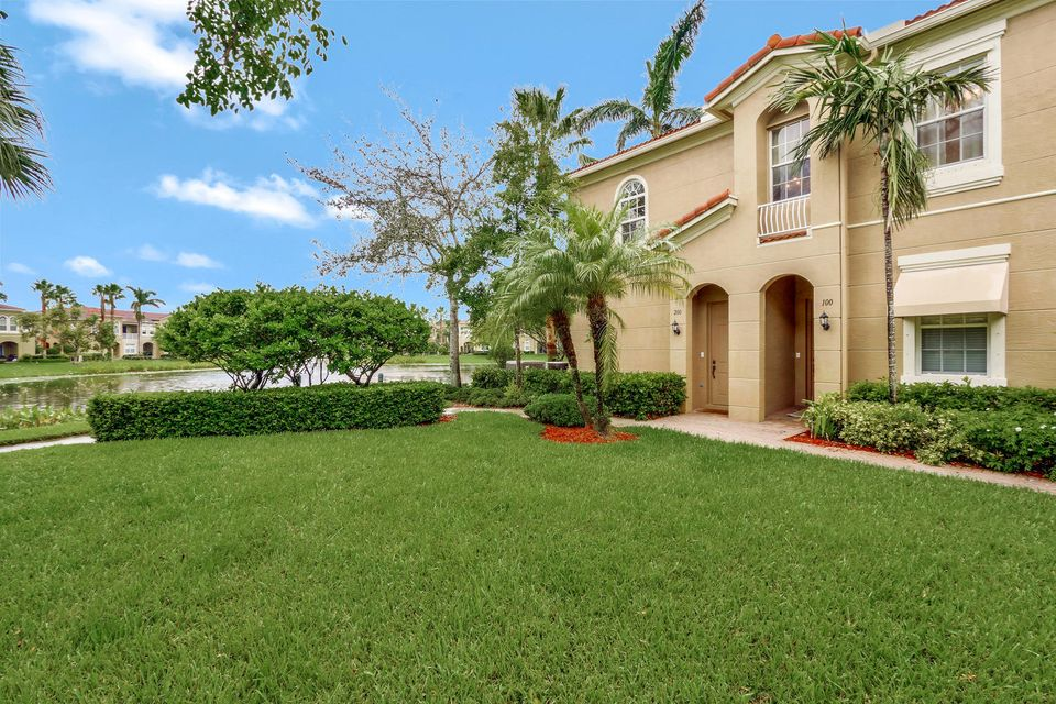 4986 Bonsai Circle 200 , Palm Beach Gardens FL 33418 is listed for sale as MLS Listing RX-10368338 20 photos