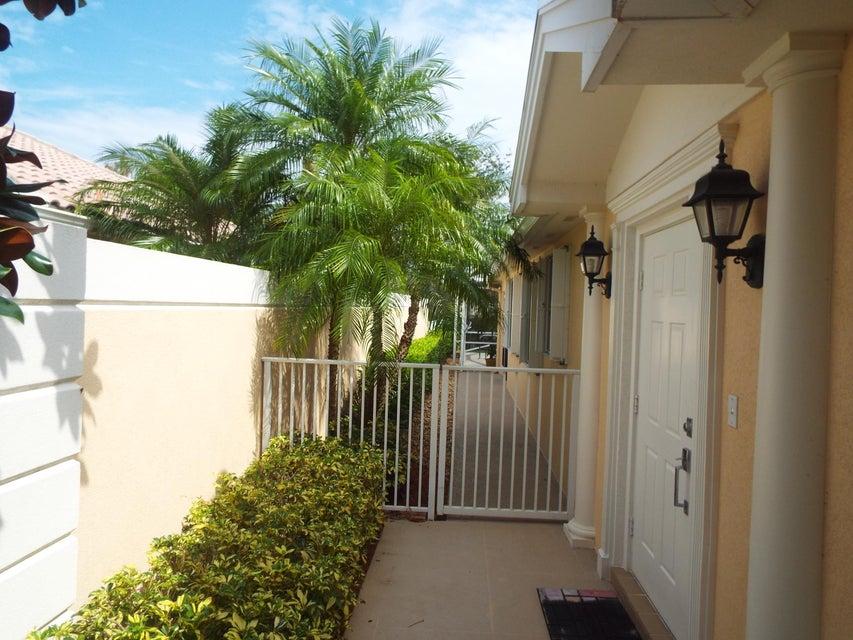 Additional photo for property listing at 8133 Montserrat Place 8133 Montserrat Place Wellington, Florida 33414 United States