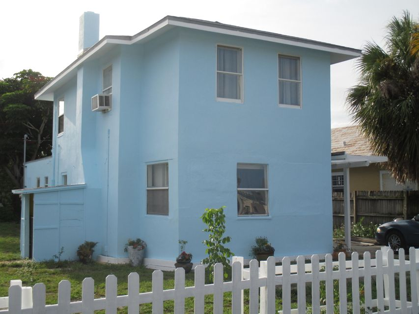 Location pour l Vente à 1217 Madeira Court 1217 Madeira Court West Palm Beach, Florida 33401 États-Unis