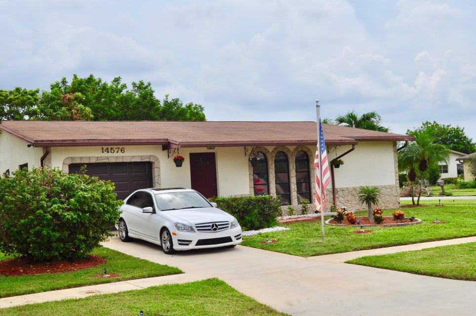 Single Family Home for Sale at 14576 Springside Lane 14576 Springside Lane Delray Beach, Florida 33484 United States