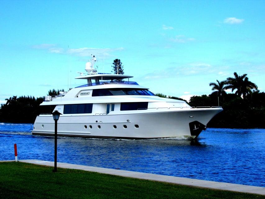 1 Colonial Club Drive 105  Boynton Beach FL 33435