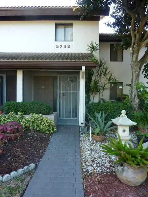Rentals for Rent at 5242 Fountains Drive 5242 Fountains Drive Lake Worth, Florida 33467 United States