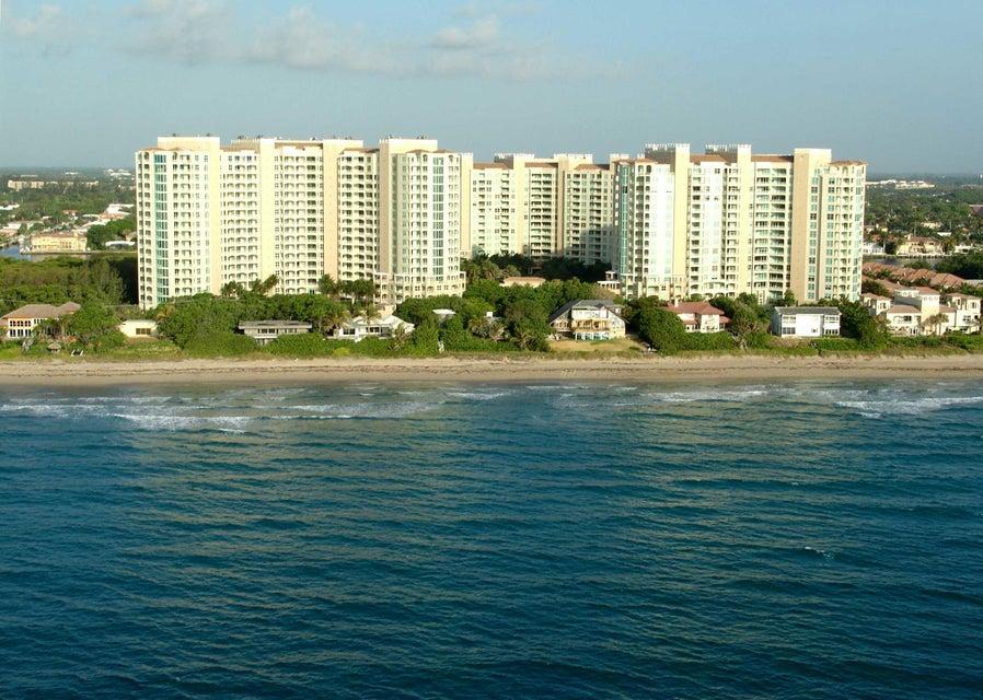 Coopérative / Condo pour l Vente à 3720 S Ocean Boulevard 3720 S Ocean Boulevard Highland Beach, Florida 33487 États-Unis