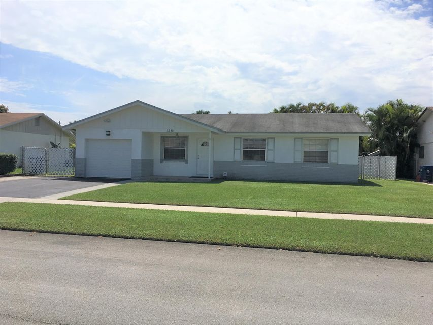 Single Family Home for Sale at 8230 NW 47th Street 8230 NW 47th Street Lauderhill, Florida 33351 United States