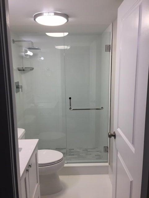 Additional photo for property listing at 5600 N Flagler Drive 5600 N Flagler Drive West Palm Beach, Florida 33407 États-Unis