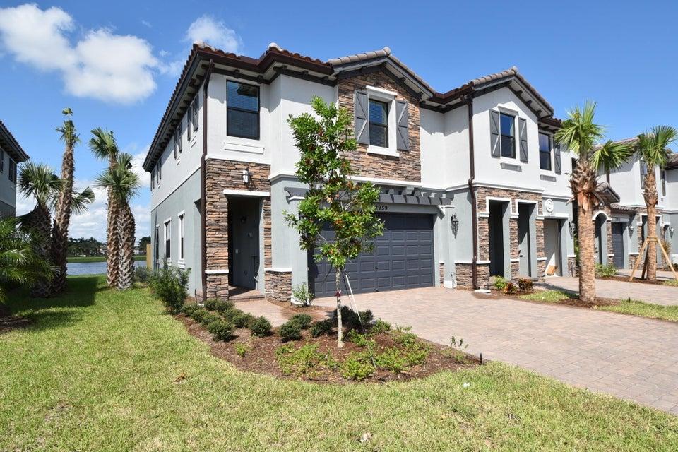 联栋屋 为 出租 在 12959 Anthorne Lane 12959 Anthorne Lane 博因顿海滩, 佛罗里达州 33436 美国