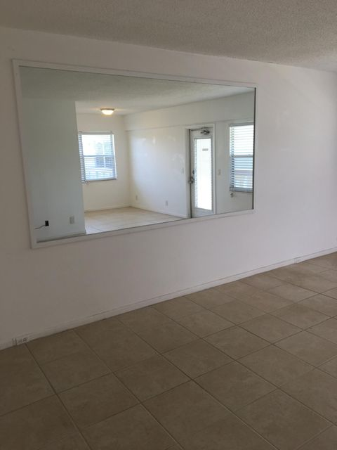 Additional photo for property listing at 332 Dorset H 332 Dorset H Boca Raton, Florida 33434 United States