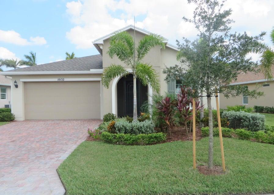 Casa para uma família para Venda às 10132 SW Fernwood Avenue 10132 SW Fernwood Avenue Port St. Lucie, Florida 34987 Estados Unidos