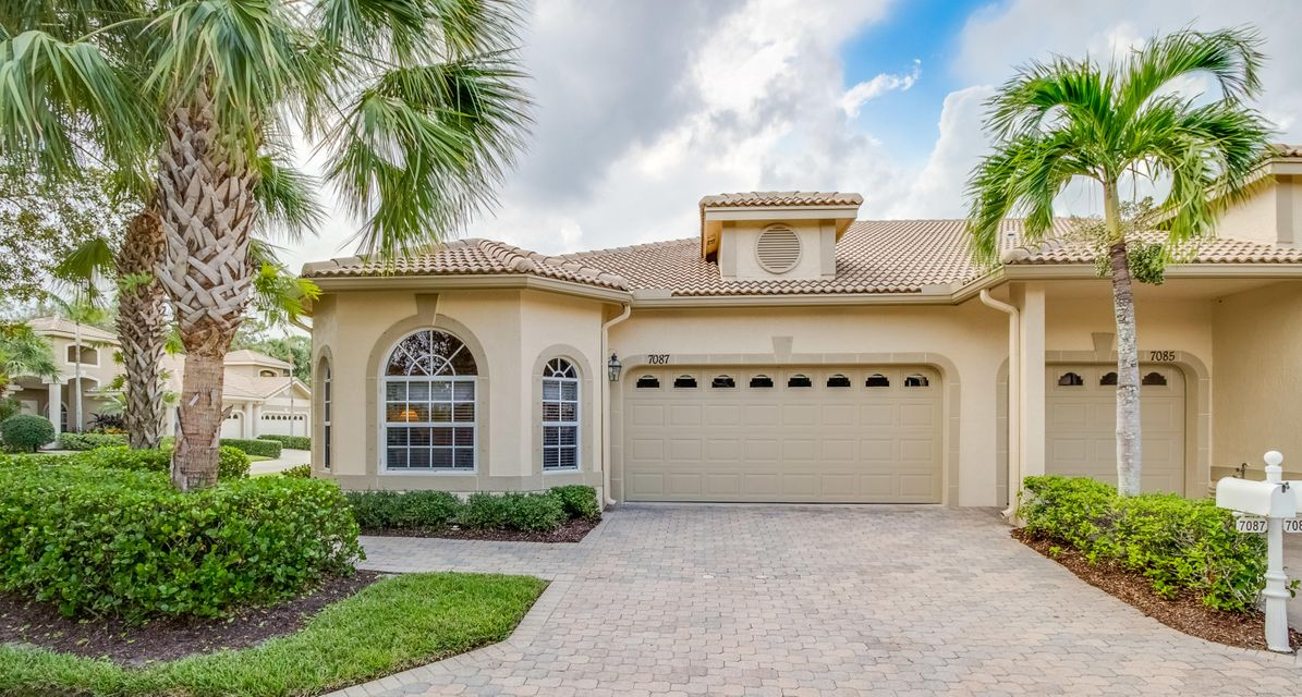Villa for Sale at 7087 Torrey Pines Circle 7087 Torrey Pines Circle Port St. Lucie, Florida 34986 United States