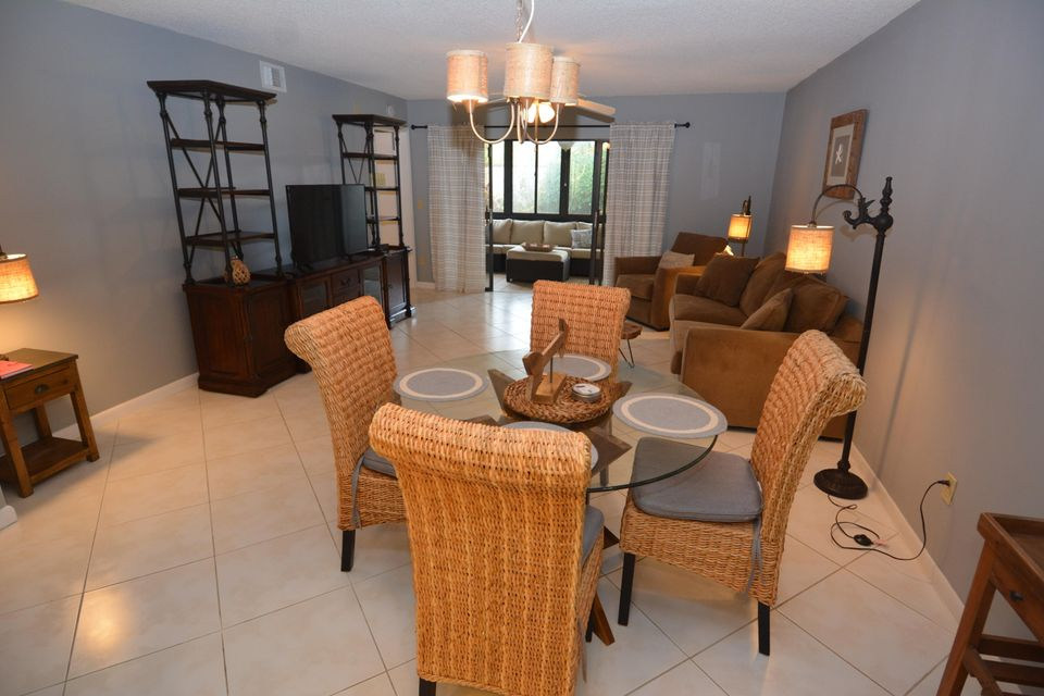 Additional photo for property listing at 65 Pelican Pointe Drive 65 Pelican Pointe Drive Delray Beach, Florida 33483 Estados Unidos