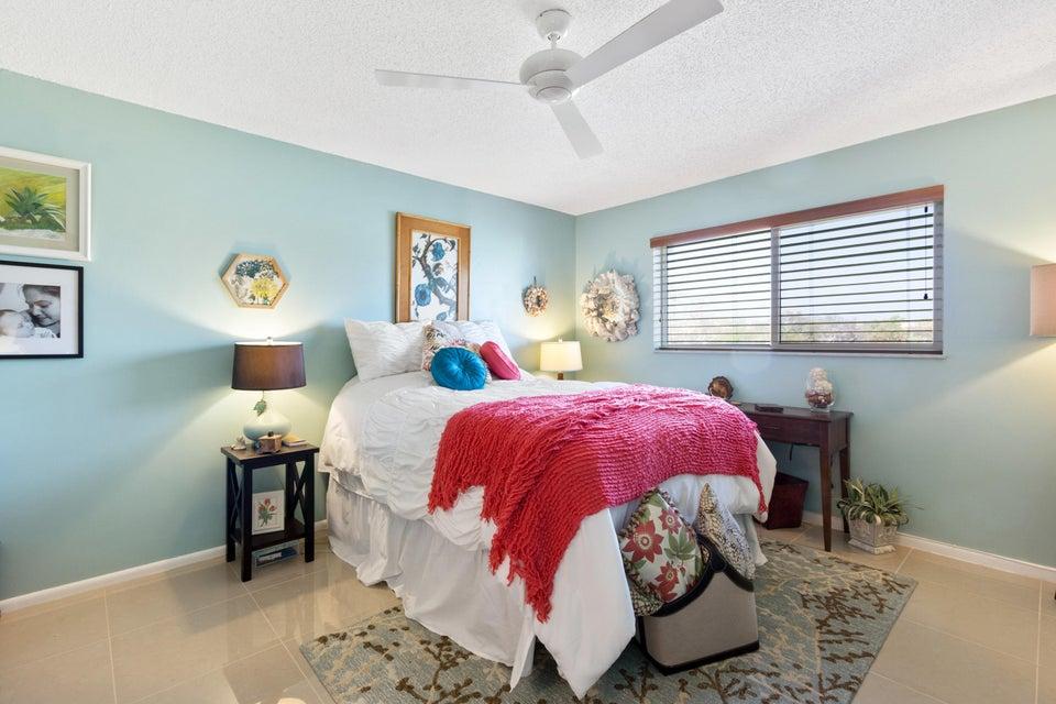 12 Colonial Club Drive Boynton Beach, FL 33435 - photo 11