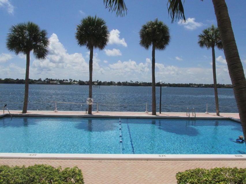 Co-op / Condominio por un Alquiler en 2600 N Flagler Drive 2600 N Flagler Drive West Palm Beach, Florida 33407 Estados Unidos