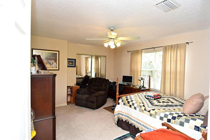 Additional photo for property listing at 1471 SE Westmoreland Boulevard 1471 SE Westmoreland Boulevard Port St. Lucie, Florida 34952 United States