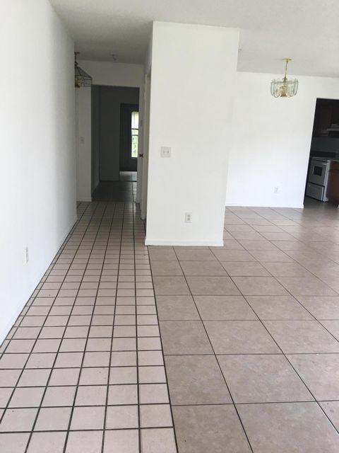 Additional photo for property listing at 5048 SE Isabelita Avenue 5048 SE Isabelita Avenue Stuart, Florida 34997 États-Unis