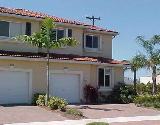 Home for sale in QUANTUM PARK TOWNHOMES Boynton Beach Florida
