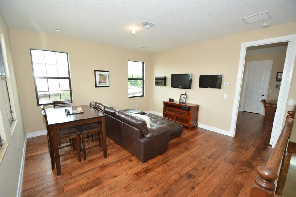 Additional photo for property listing at 8676 Lewis River Road 8676 Lewis River Road Delray Beach, Florida 33446 United States