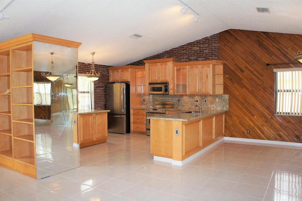122 sevilla avenue royal palm beach fl 33411 rx 10369199 in la mancha - Royal kitchens new city ...