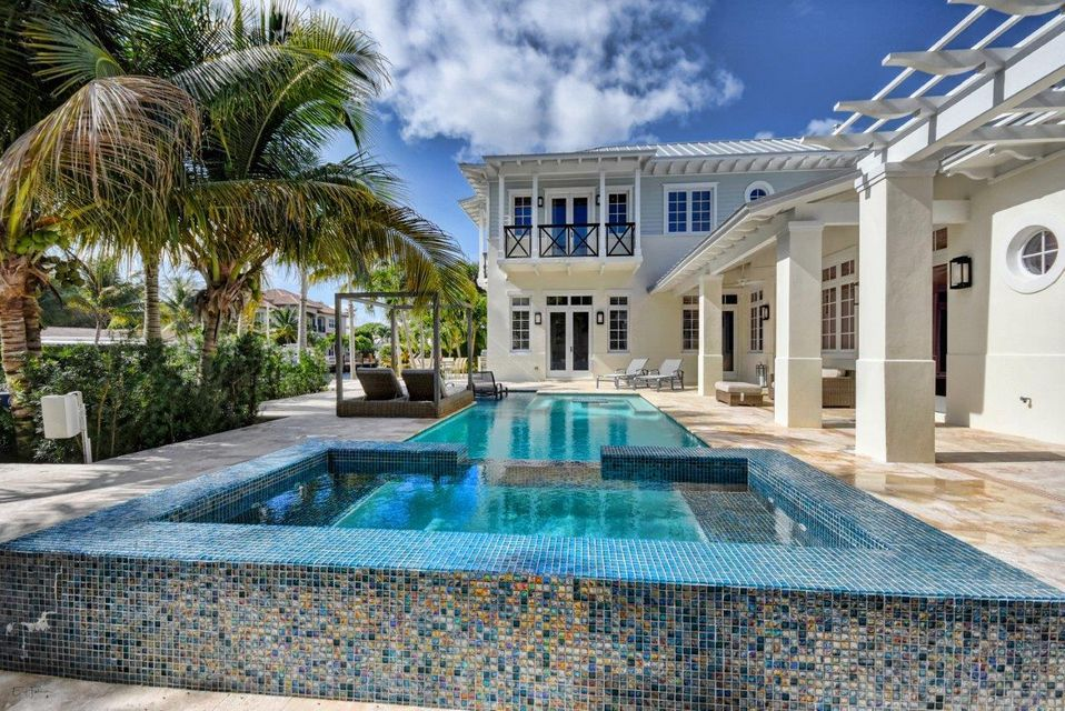 TROPIC ISLE HOMES