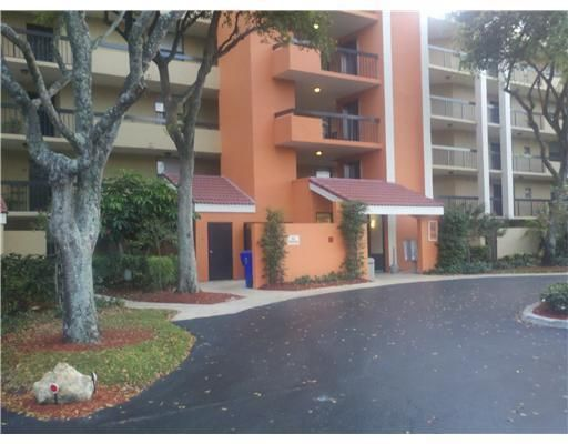 Co-op / Condo for Sale at 1915 Lavers Circle 1915 Lavers Circle Delray Beach, Florida 33444 United States