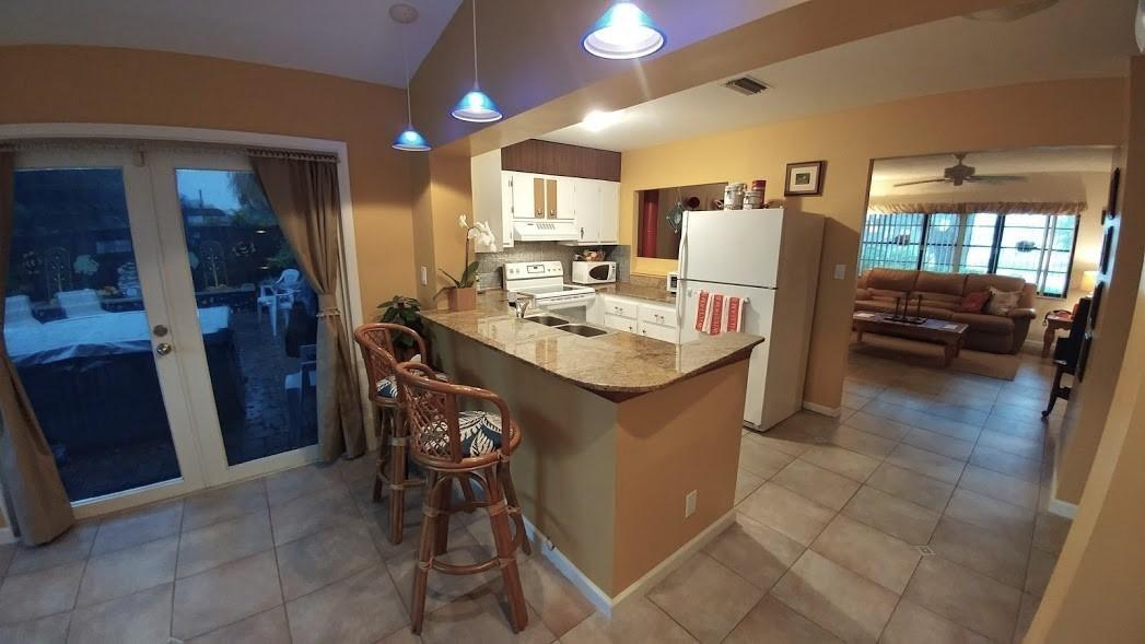 Additional photo for property listing at 9849 Spanish Isles Drive 9849 Spanish Isles Drive Boca Raton, Florida 33496 United States