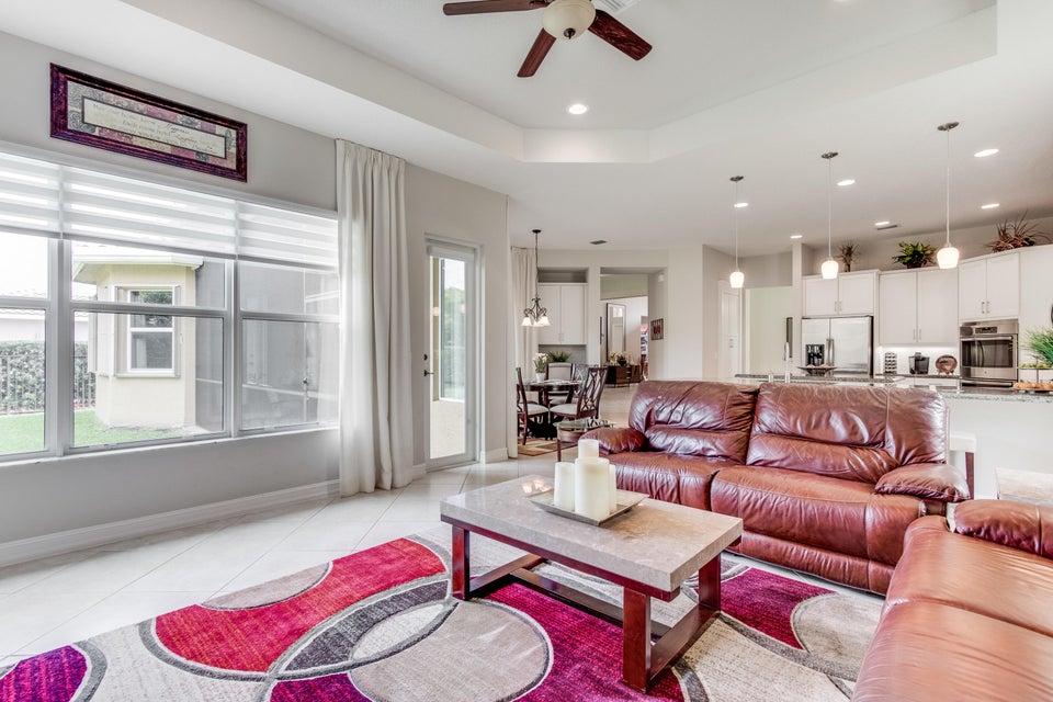 8235 Mariano Falls Lane Boynton Beach, FL 33473