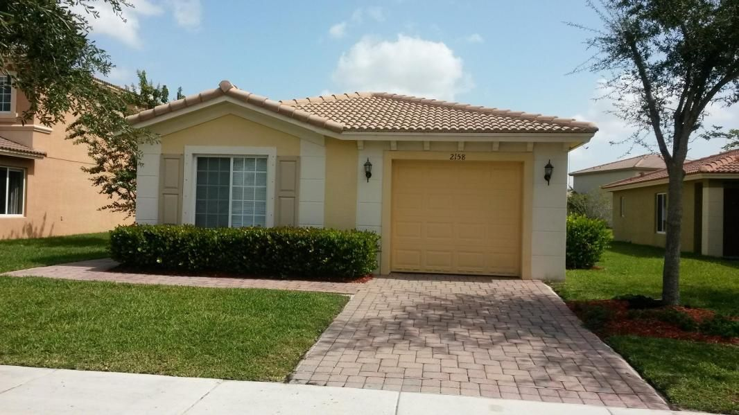 Additional photo for property listing at 2158 Newport Isles Isle(s) 2158 Newport Isles Isle(s) Port St. Lucie, Florida 34953 États-Unis