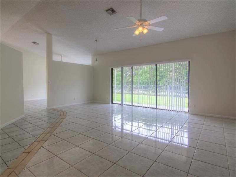 Additional photo for property listing at 7621 Texas Trail 7621 Texas Trail Boca Raton, Florida 33487 Estados Unidos